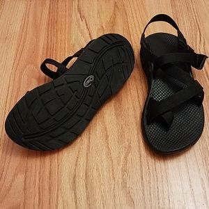 """Chaco """"Z/2 Classic"""" in black, size 9"""